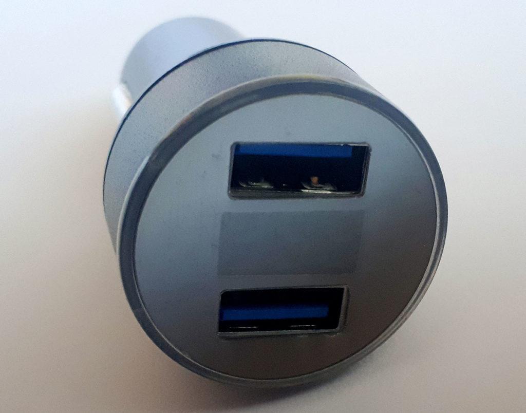 USB Зарядно за кола
